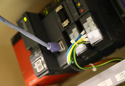 設計、製作、設置からカスタマイズまで機械設備の電気のことならどんな案件にも対応