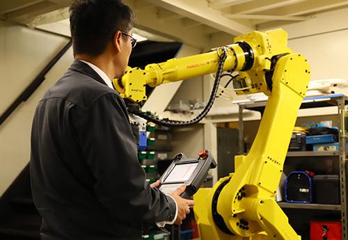 40年で培った産業ロボットシステム制御のノウハウ